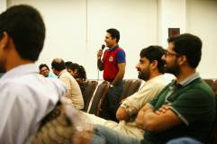 Attendees Interacting with Ali Shan